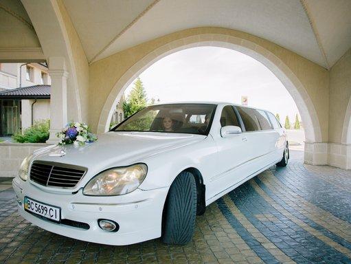 """Лімузин """"Mercedes"""""""