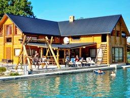Будинок з сауною і басейном біля Львова